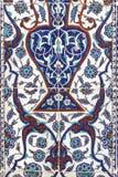 Telhe a decoração da parede da mesquita do Pasha de Rustem, Istambul imagem de stock royalty free