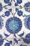 Telhe a decoração da parede da mesquita do Pasha de Rustem, Istambul fotografia de stock