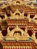 Telhe o detalhe em Wat Chalong, Phuket, Tailândia Fotografia de Stock Royalty Free