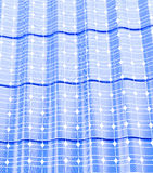 Telhe os painéis solares em uma ilustração branca do fundo 3D Fotos de Stock