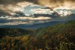 Telkwa - облака над прибрежными горами Стоковые Изображения RF