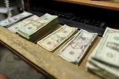 Tellend contant geld Royalty-vrije Stock Afbeelding