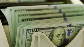 Tellende USD-Close-up stock videobeelden