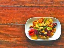 Teller des Huhns und der Acajounüsse in Thailand Stockfoto
