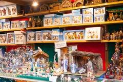 Teller met cijfers en werkstuk voor het creëren van Kerstmisscènes Stock Foto