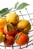 Teller mit Früchten Stockbilder