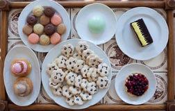 Tellersegment mit Bonbons Lizenzfreie Stockbilder
