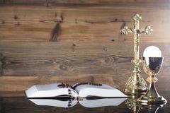 Tema católico da religião - conceito do comunhão santamente fotografia de stock royalty free