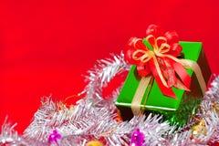 Tema da celebração com os presentes do Natal & do ano novo Fotografia de Stock