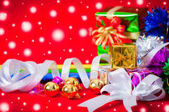 Tema da celebração com os presentes do Natal & do ano novo Imagem de Stock Royalty Free