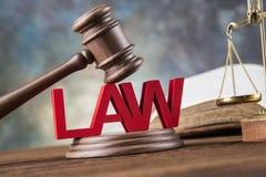 Tema da lei, malho do juiz, martelo de madeira foto de stock royalty free