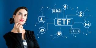 Tema de Cryptocurrency ETF com mulher de negócio imagens de stock royalty free