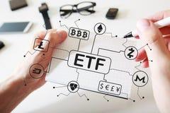 Tema de Cryptocurrency ETF com um caderno imagens de stock royalty free