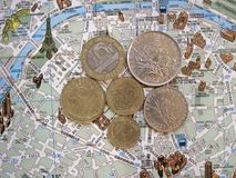 Tema de Paris Fundo liso da disposição dos símbolos de França foto de stock royalty free