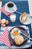 Tema della luce morbida della prima colazione con l'uovo Fotografia Stock Libera da Diritti