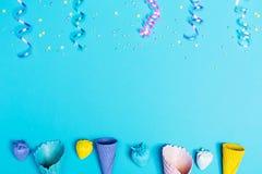 Tema do partido com os cones de gelado Imagens de Stock Royalty Free
