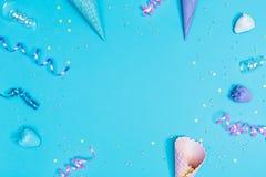 Tema do partido com os cones de gelado Foto de Stock Royalty Free