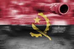 Tema för militär styrka, behållare för rörelsesuddighet med den Angola flaggan Royaltyfri Foto