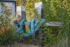 Tema marítimo como a ideia da decoração para o jardim Foto de Stock