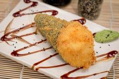 Temaki caliente de la comida japonesa Imágenes de archivo libres de regalías
