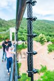 Temblak zawieszenie most przy Mae Kuang Udo Thara tamą zdjęcia royalty free