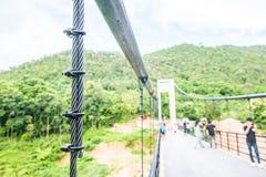 Temblak zawieszenie most przy Mae Kuang Udo Thara tamą zdjęcie royalty free