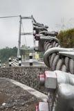 Temblaka kabel zawieszenie most obraz stock