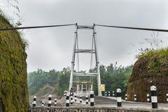Temblaka kabel zawieszenie most obrazy stock