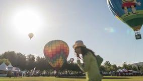 Temecula-Wein-und Heißluft-Ballon-Festival-Zeitspanne-Video stock video footage