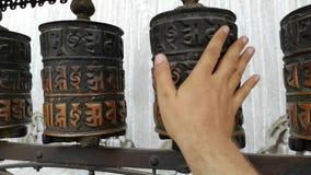Барабанчики молитве в temle Swayambhunath или обезьяны kathmandu Непал Swayambhunath, или Swayambu или Swoyambhu, старое видеоматериал