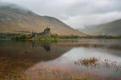 Temor del castillo y del lago de Kilchurn, Escocia fotos de archivo libres de regalías