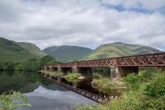 Temor del lago de la travesía del puente ferroviario, Argyll y Bute, Escocia foto de archivo libre de regalías