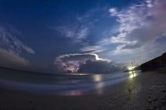 Tempête au-dessus de la mer Photographie stock