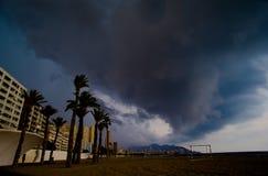 Tempête au-dessus de la ville Photos stock