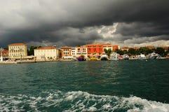Tempête au-dessus de Porec, Croatie Image libre de droits