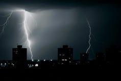 Tempête au-dessus de ville Photographie stock libre de droits
