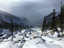 Tempête d'hiver s'approchant en Rocky Mountain National Park Photographie stock libre de droits