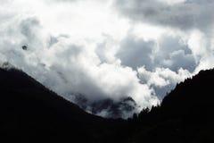 Tempête dans les montagnes Images stock