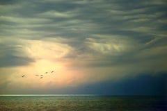 Tempête de approche en mer Photographie stock