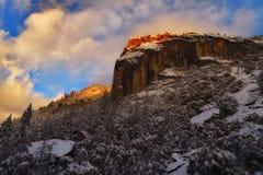 Tempête de dégagement et coucher du soleil au parc national de Yosemite photo libre de droits