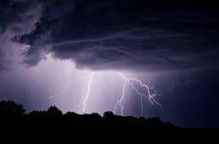 Tempête de foudre dans le ciel Photo libre de droits