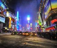 Tempête de neige dans les Times Square, New York City Images libres de droits