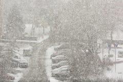 Tempête de neige de neige dans la ville photographie stock libre de droits