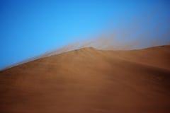 Tempête de sable dans le désert Photographie stock