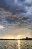 Tempête et lac de ciel Image libre de droits