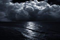 Tempête sur la mer Photo stock