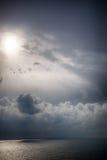 Tempête sur la mer après une pluie Images libres de droits