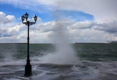 Tempête sur la mer en hiver Photo libre de droits