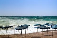 Tempête sur la plage Photos stock