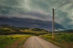 tempête venant en flanc de coteau photos stock